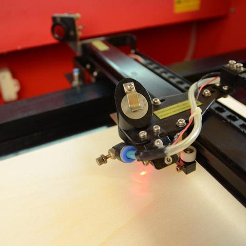 portachiavi in legno laser